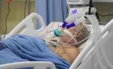 Antyszczepionkowcy chorują na COVID-19