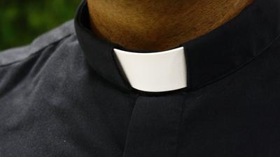 Ksiądz zgwałcił parafiankę