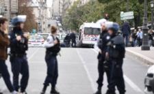 Atak nożownika we Francji - masakra w pobliżu Notre Dame