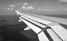 Horror. 19-latka wypadła z samolotu