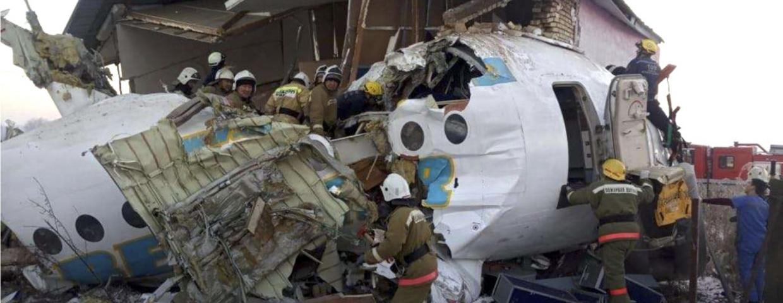 Koszmar tuż po starcie. Samolot wbił się w budynek
