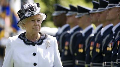 Królowa Elżbieta II odda tron?