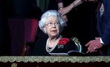 Królowa Elżbieta II w rozpaczy