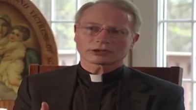Ksiądz Gerold Langsch oskarżony o molestowanie - miał obmacywać kobietę podczas ostatniego namaszczenia