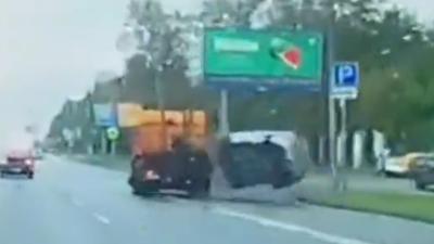Rosja i tragiczny wpadek samochodowy - policjant nie przeżył