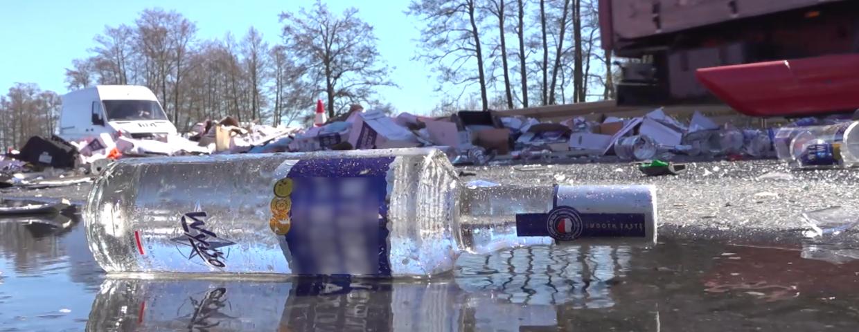 Tysiące butelek polskiej wódki rozbitych w wypadku