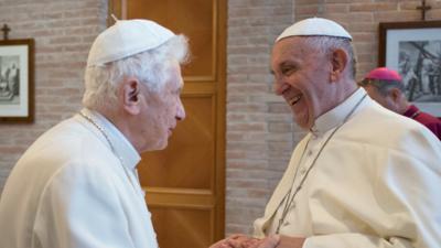 Papieże zaszczepieni