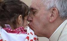 """Watykan chroni tajemnicę spodwiedzi... i pedofilów. """"Nawet za cenę krwi"""""""