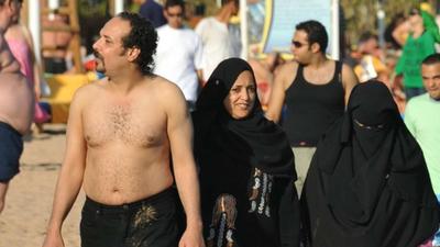 Plaże dla muzułmanów - holenderski polityk chce utworzyć dla nich strefy halal bez golizny