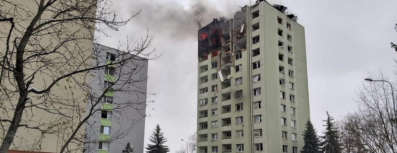 Wybuch w 12-piętrowym bloku. Ludzie są uwięzieni
