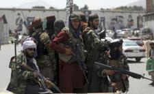 Strach przed wojną. Talibowie ostrzeliwują samoloty?