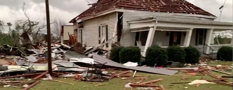 Szokujące zdjęcia i filmy z USA. Alabama spustoszona przez tornada i burze. Rośnie liczba ofiar - stan wygląda jak scena w filmie katastroficznym