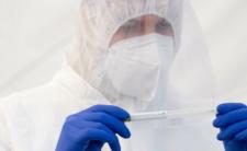 Koronawirus Delta w Australii. Czy stanowi zagrożenie epidemiczne dla Polski?