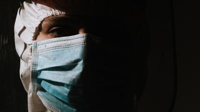 Lekarz morderca zabijał chorych na COVID-19